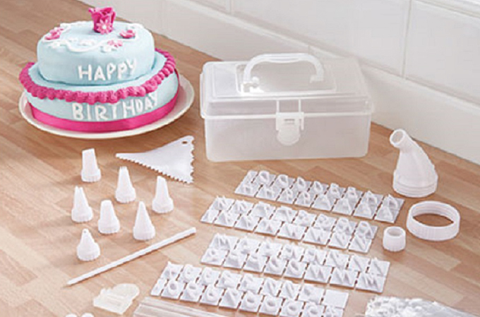 Best Cake Decorating Kit In 40 Reviews And Ratings Gorgeous Cake Decorators Tool Box