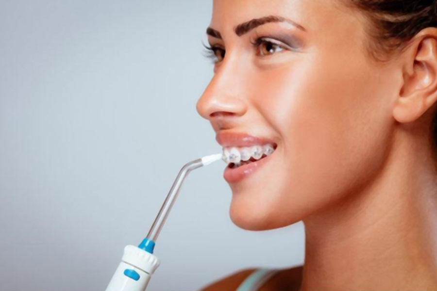 Water Flossers Vs Dental Floss. Which Is Better for You